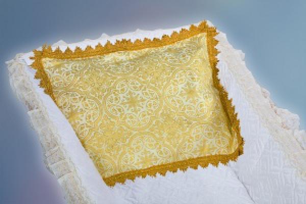 Подушка из парчи