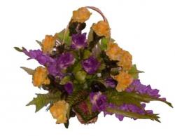 Корзина из искусственных цветов Лоза